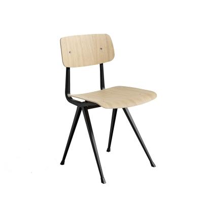 Bilde av Result chair, black/oak matt seat