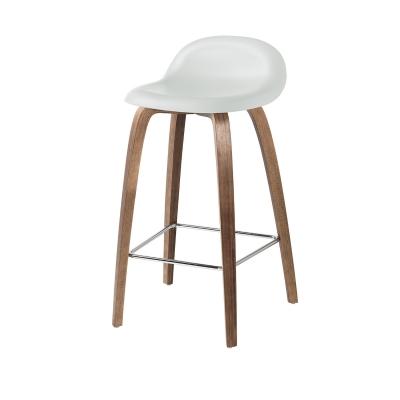 Bilde av Gubi 3D barstol h65, valnøtt/hvit