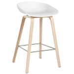 About a Stool h65, hvit/eikben