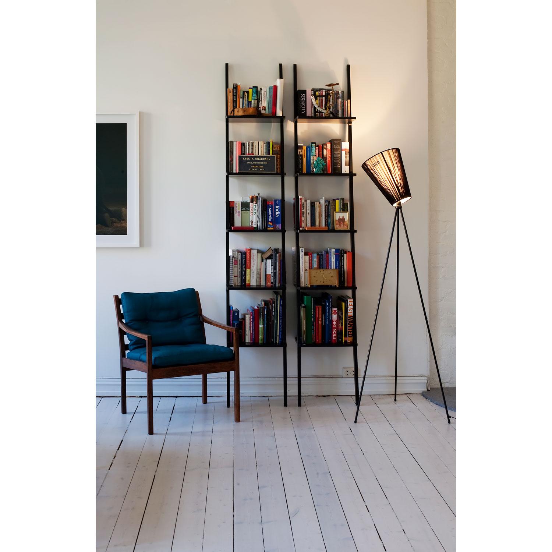 Design lampe: belysning / lamper vegglamper. muuto e pendel lampe. .